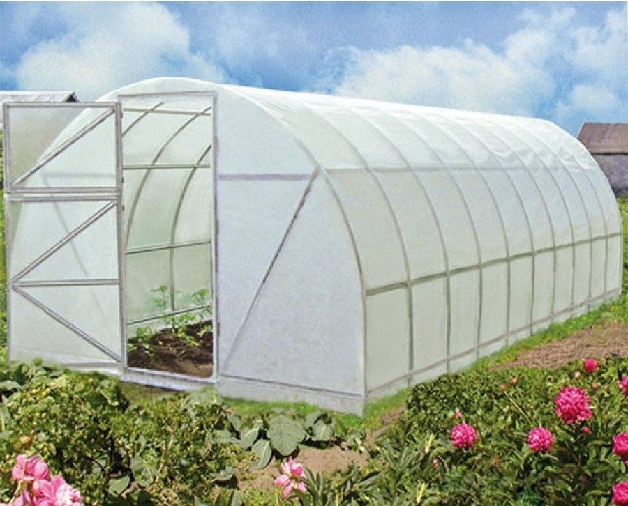 Если вы хотите все лето наслаждаться свежими овощами, вам следует позаботиться о «месте жительства» для них
