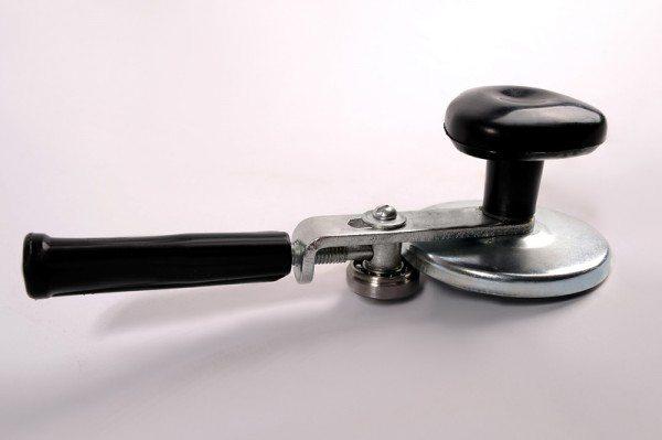 Ручной закаточный ключ.