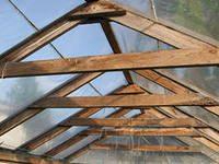 Вид двускатной крыши, изнутри.