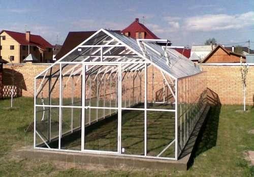 Металлический домик для растений