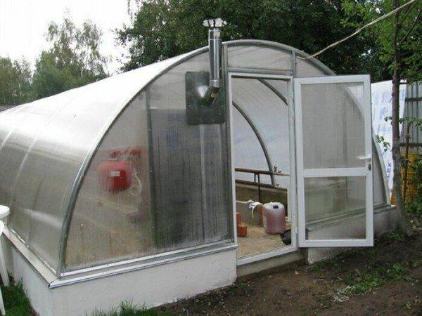 Правильно изготовленная конструкция каркаса и его покрытия позволит получать урожай в любую погоду