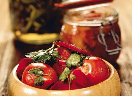 Консервированные помидоры.