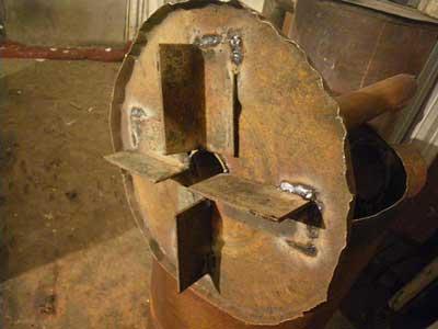 На фото хорошо виден результат. Здесь, впрочем, использована токая сталь, что сильно уменьшит ресурс печи.