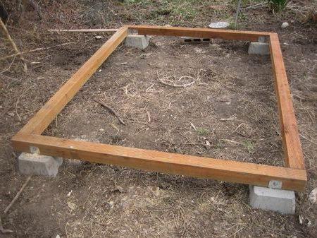Столбчатый фундамент с обвязкой из бруса