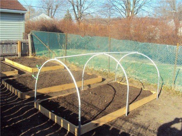 Парники из пластиковых дуг: трубы из пластика в качестве несущего каркаса