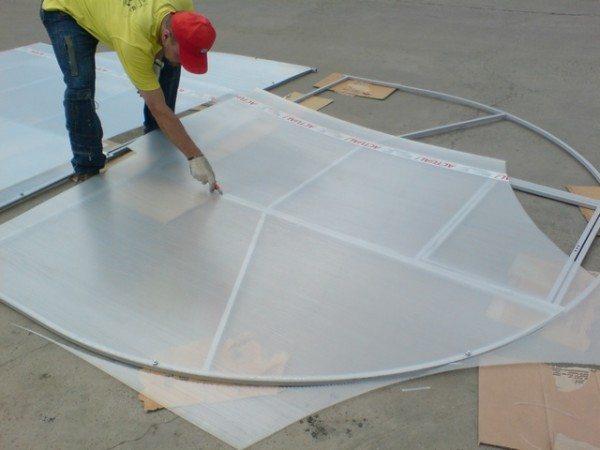 Раскрой поликарбоната выполняется производителем