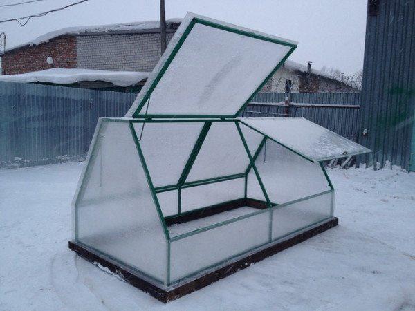 Чем круче скат крыши, тем быстрее сходит с нее снег.